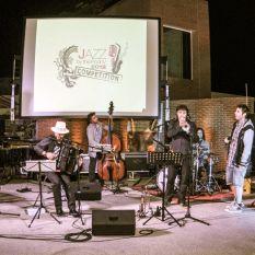 http://www.titticastrini.net/wp-content/uploads/2013/05/Padova-terme-Preistoriche-Jazz-festival-.-con-Aisha-Ruggeri-.jpg